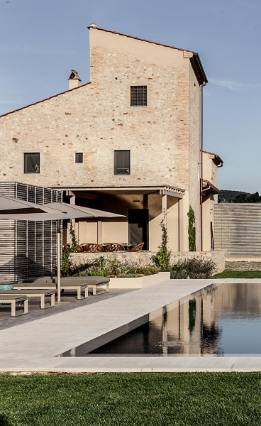 Tuscan Vernacular Meets Contemporary Sophistication in Casa Claudia