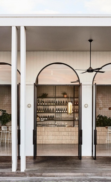 Blacksmith by The Stella Collective: Mid-century Glamour Meets Laidback Australiana at Lake Mulwala