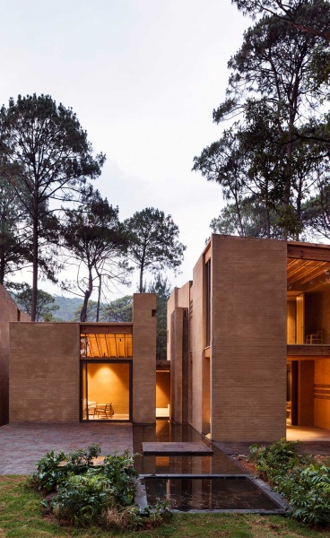 Entre Pinos by Taller Hector Barroso: Living Amid the Pine Trees
